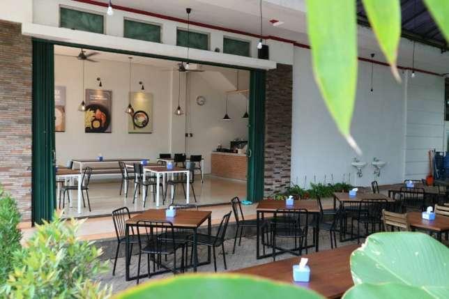 31216 medium loker restoran   helper   koki