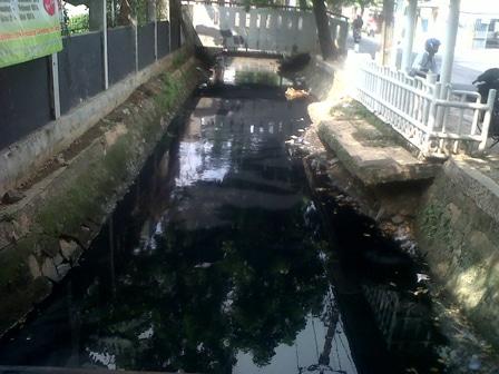 3127 medium warga duri kosambi keluhkan pencemaran air