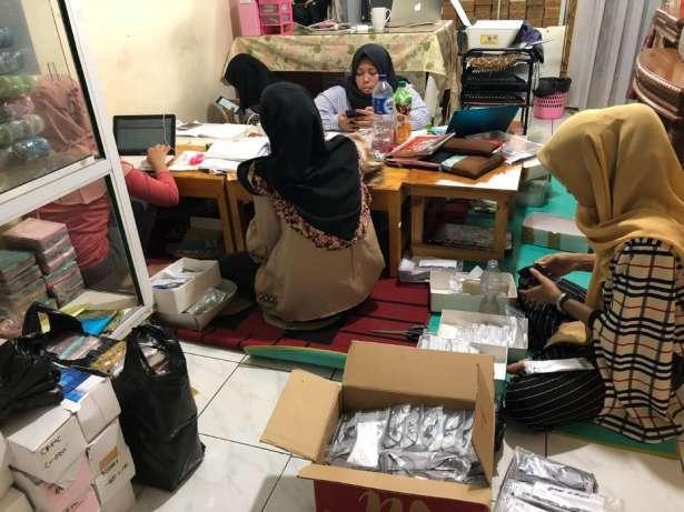 31978 medium lowongan kerja admin online shop di bekasi selatan