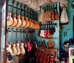 32670 small dicari karyawan laki laki untuk jaga toko alat musik %28walk in interview%29