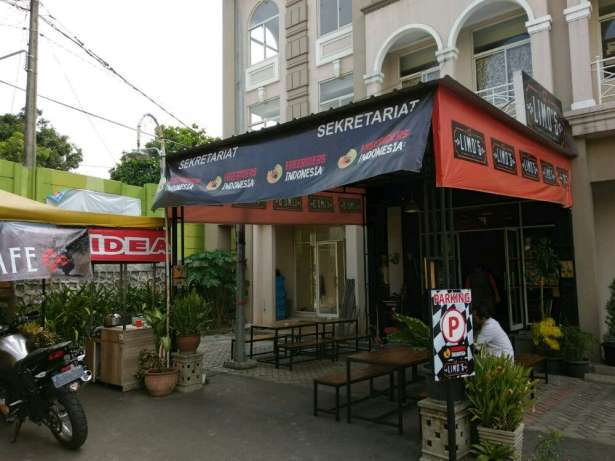 33305 medium dibutuhkan cepat karyawan waiters di limos cafe grand galaxy city