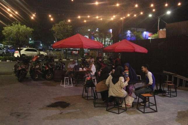 33529 medium lowongan pekerjaan ljr cafe   eatery