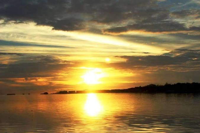 33714 medium sunset pulau pari