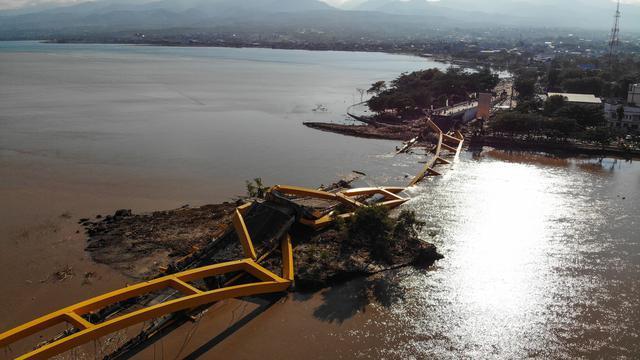 34755 medium h 7  korban tewas gempa dan tsunami palu capai 1.571 orang