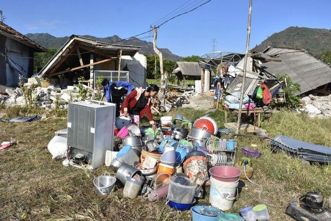 34881 medium kondisi pengungsian di dusun menggala  lombok utara sudah tak layak huni