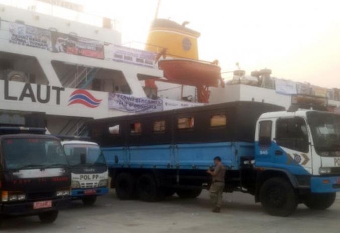 35294 medium bantuan melalui posko balai kota diberangkatkan ke sulteng