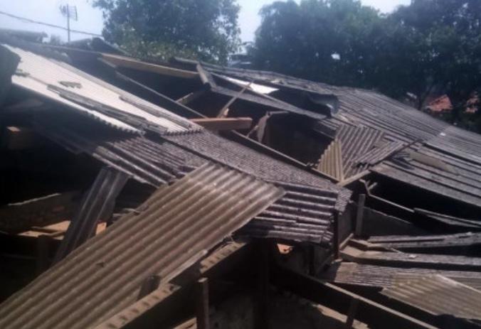 35296 medium 10 rumah di semper barat rusak diterjang puting beliung