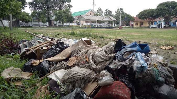 37978 medium sampah
