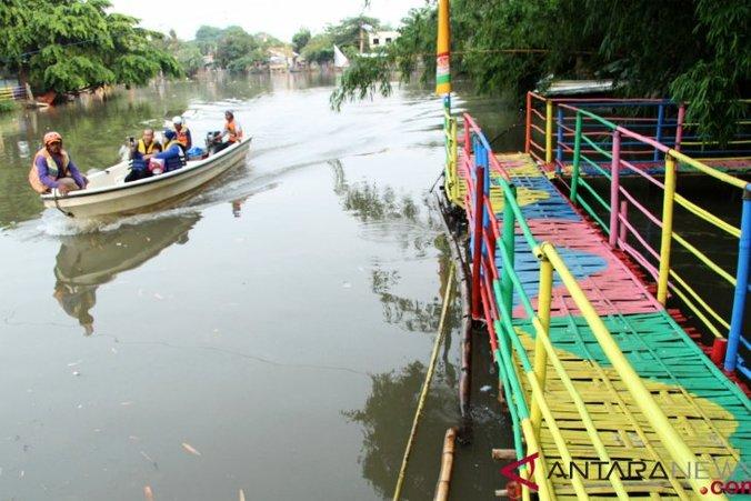 38382 medium wisata hutan bambu sungai bekasi 061118 ris 1