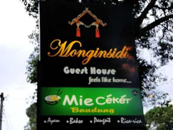 40215 medium monginsidi guest house