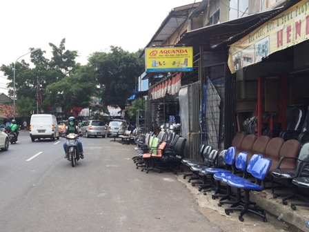 4158 medium barang dagangan kios di jl minangkabau penuhi trotoar