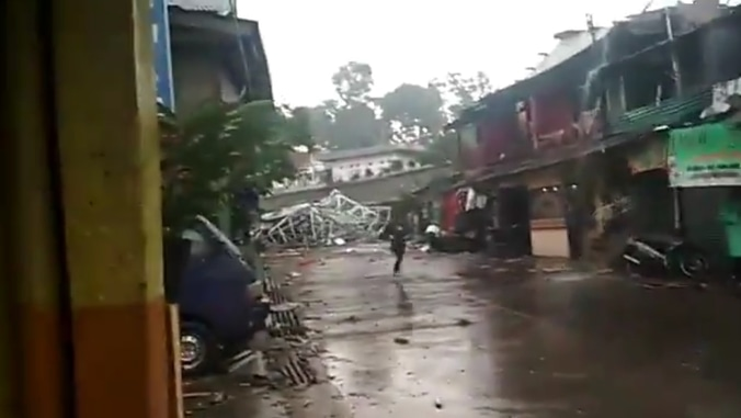 41970 medium 601 rumah rusak akibat puting beliung bogor selatan
