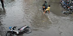 42377 small ini penyebab banjir di simpang borobudur malang