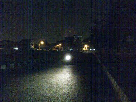 4275 medium warga grogol keluhkan lampu jalan padam