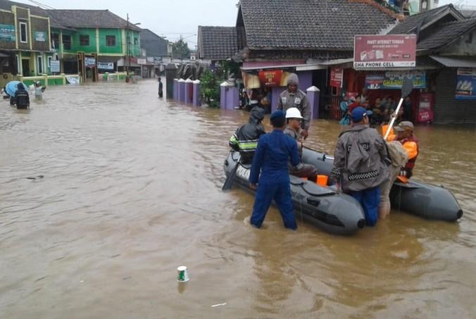 44018 medium banjir pascatsunami pandeglang