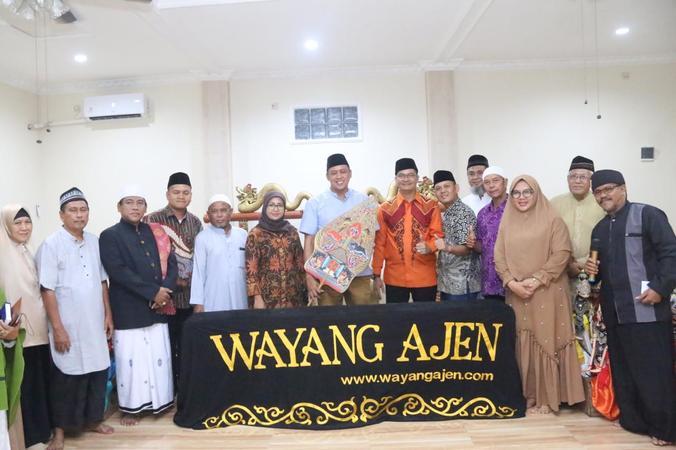 44174 medium wayang