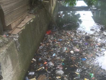 4464 medium kali bendungan melayu dipenuhi sampah