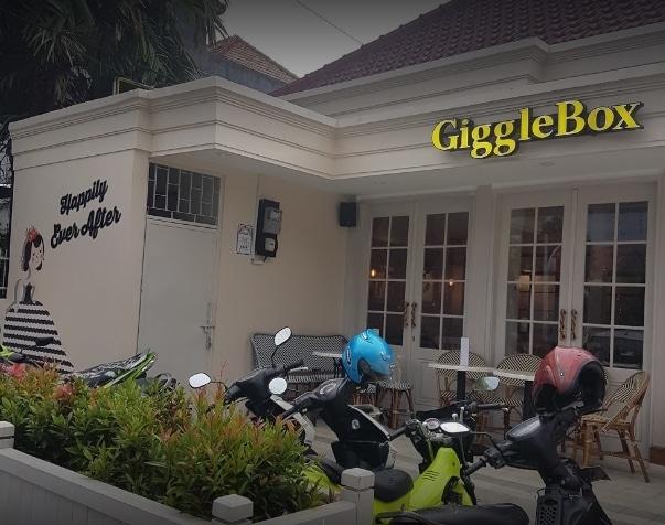 45910 medium %28lowongan kerja%29 dibutuhkan segera server di giggle box cafe and resto