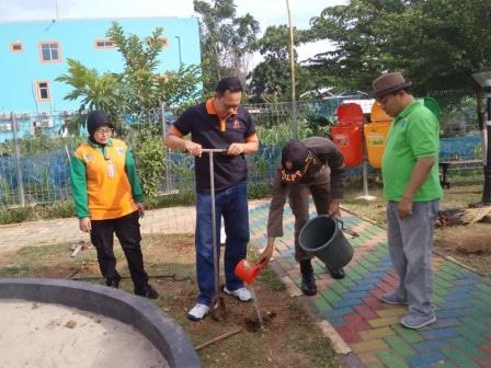 46147 medium kecamatan kramat jati targetkan buat 95 ribu lubang biopori