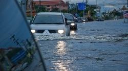 46672 small jaktim rawan banjir  pemkot dan tnipolri siagakan posko banjir