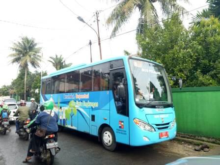 47561 medium bus sekolah 1