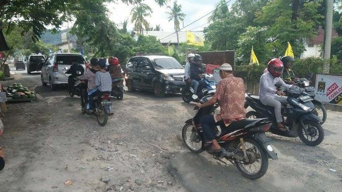 49432 medium kondisi jalan re martadinata