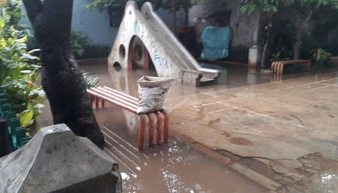 49715 medium taman edukasi di semper rusak  kayak empang