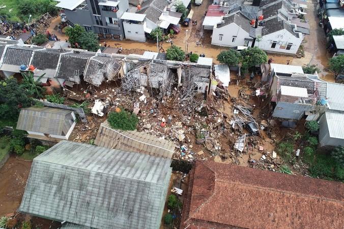 50012 medium 12 wilayah di bandung berpotensi dihantam bencana banjir bandang dan pergerakan tanah