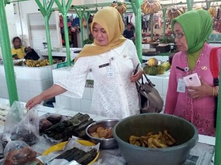 5021 medium panganan berformalin ditemukan di tiga pasar di jaksel