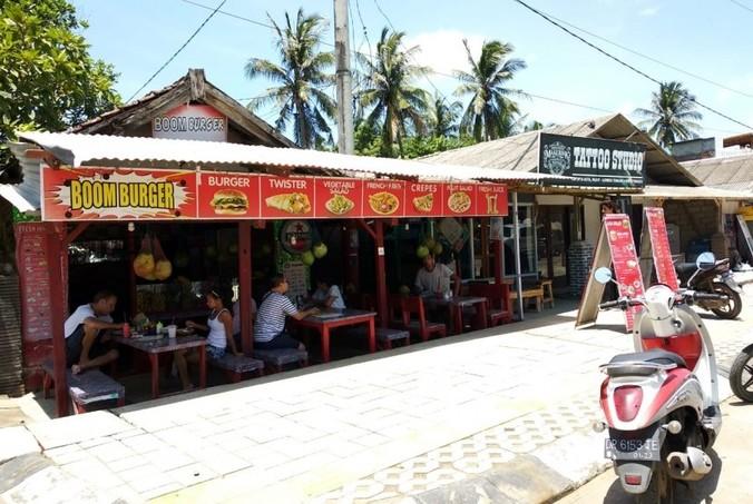 50409 medium umkm rasakan dampak lesunya pariwisata lombok
