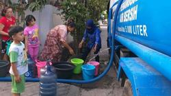50410 small saluran air pdam tkr bocor  warga tangerang kesulitan air bersih