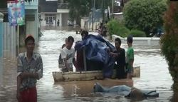 50679 small banjir parah  ribuan warga di lampung utara mengungsi