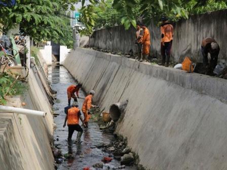 50804 medium upk badan air tindak lanjuti 345 laporan warga