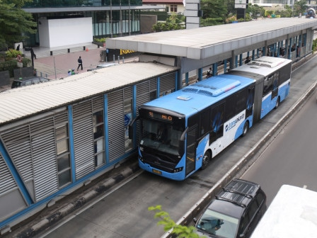51148 medium transjakarta buka layanan asemka explorer