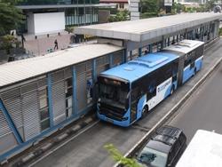 51148 small transjakarta buka layanan asemka explorer