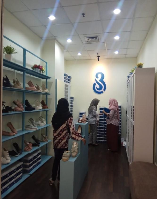 53520 medium %28lowongan kerja%29 dibutuhkan segera spg toko sepatu br shoes di royal plaza surabaya %28wawancara langsungwalk in inteview%29