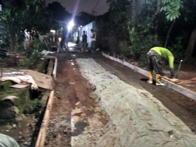 53834 medium jalan mat sani  jatiasih  bekasi diperbaiki tni dan warga