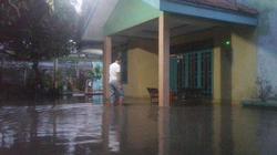 53837 small satu jam diguyur hujan  wilayah semanan jakarta barat dilanda banjir