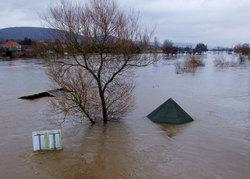 54338 small banjir dan tanah longsor di bantul  2 orang tewas  4.000 mengungsi