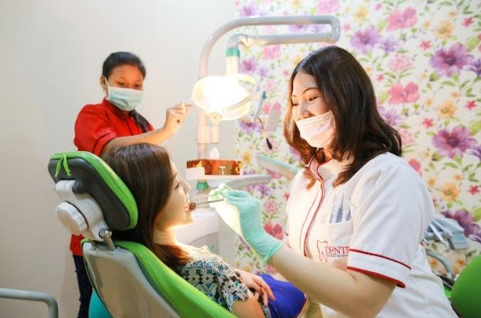 56958 medium %28lowongan kerja%29 dibutuhkan admin merangkap perawat gigi  di klinik gigi dentin surabaya untuk lulusan sma  smk %28wawancara langsungwalk in interview%29