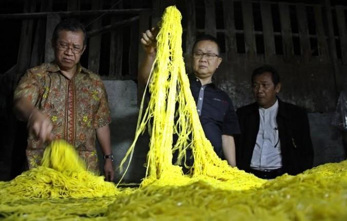 5754 medium 1 5 ton mie berformalin ditemukan di pasar bulak klender