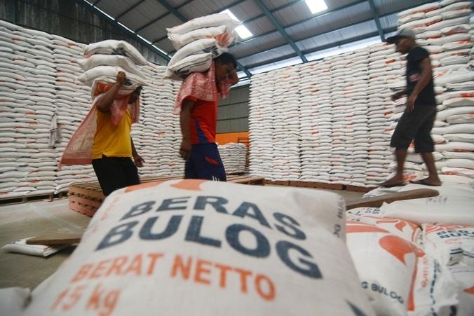 5762 medium distribusi raskin kelurahan kota bambu utara menyimpang