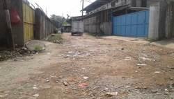 58049 small jalan 10 tahun rusak  warga semanan jakarta barat mengeluh