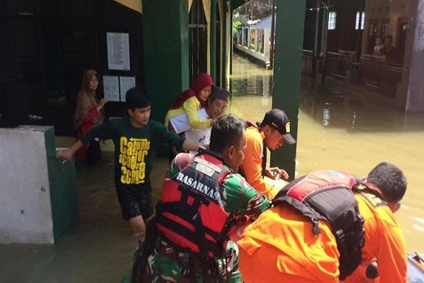 58343 medium ribuan korban banjir bandung selatan masih mengungsi