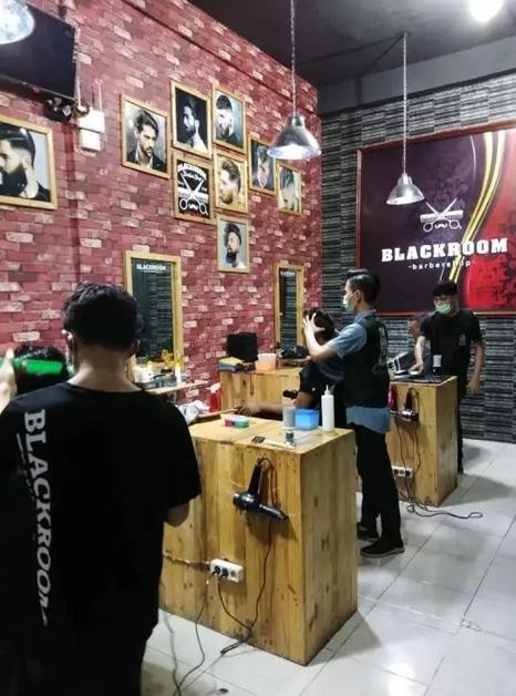 58904 medium %28lowongan kerja%29 dibutuhkan stylist gunting rambut berpengalaman dan ramah di blackroom barber shop medan %28walk in interview  wawancara langsung%29