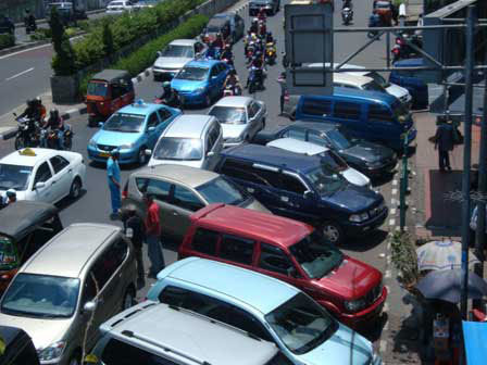 5941 medium tempat usaha tanpa lahan parkir terancam dibongkar