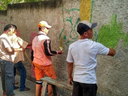 59484 small kampung nelayan cilincing dihiasi cat warna warni