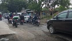 59580 small jalan rusak di cikepuh  kota serang