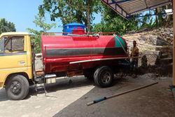 59582 small hujan menghilang  warga purwosari mulai beli air bersih