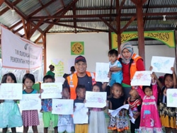 59650 small puluhan anak dari kelurahan buluri di palu ikuti psychological first aid